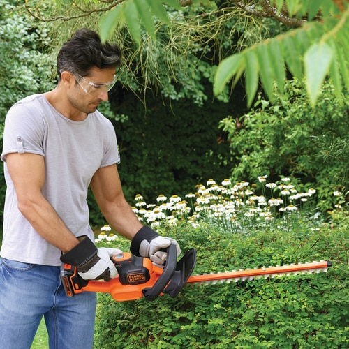 Black and Decker - Cortasebes POWERCOMMAND 18V 2Ah 45cm - GTC18452PC