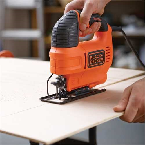 Black and Decker - Serra de recortes 520W com mala - KS701EK